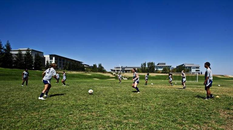 Coles leads a young, talented UC Merced women's soccer team